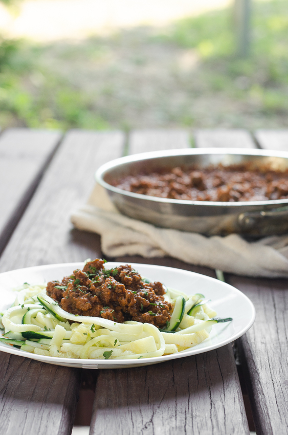 A deliciously simple meal, ready in under 30 minutes, this classic meat sauce with zoodles will be a big hit with the family! Low-carb, ketogenic, Whole30, Paleo, gluten-free, grain-free, dairy-free and nut-free.