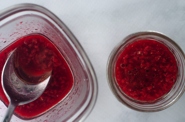 A quick and simple raspberry vinaigrette recipe, perfect for drizzling over your favorite type of salad. Keto, vegan, Whole30, Paleo, vegetarian, sugar-free, dairy-free.